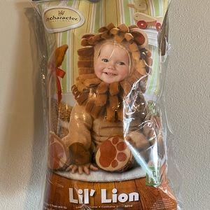 Kid's Lil Lion costume 12-18 months